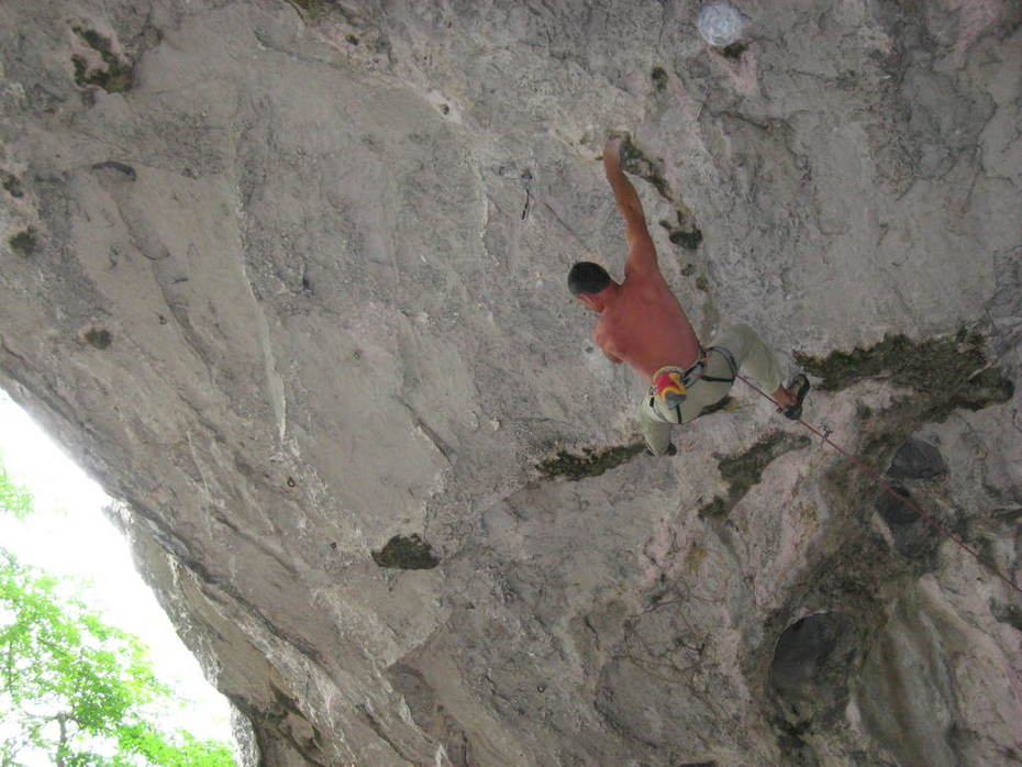 Stevie Haston trying his 9a+ project