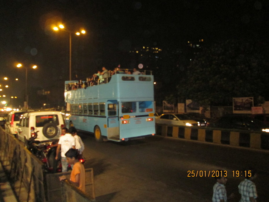 Mumbai Tourist bus at Worli Sea-face.