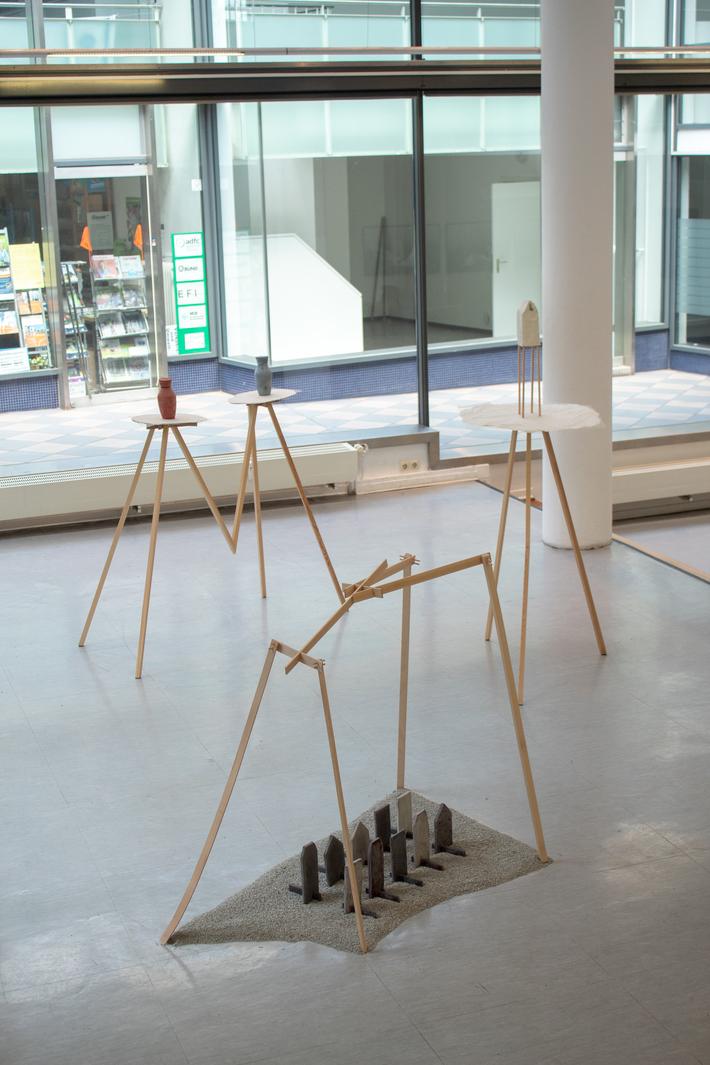Ausstellungsansicht Polis /Frau und Herr Blume / Wolkenkuckucksheim