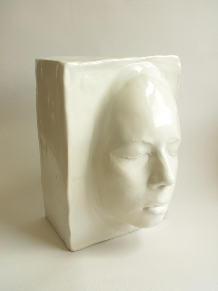1. 'Double Portrait' view 1- semi-porcelain, 24x18x17 cm,Hans Borgonjon 2011