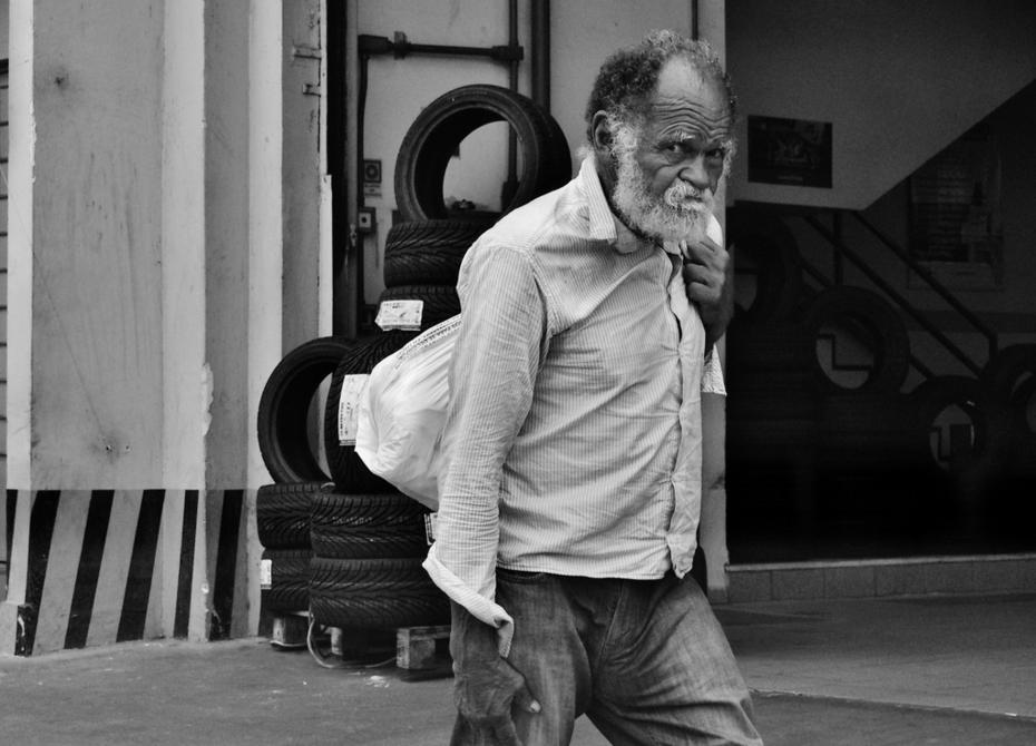 O Homem do saco - Atibaia SP Br 2014