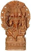 Dhanvantari, die Inkarnation von Vishnu, mit seiner Shakti