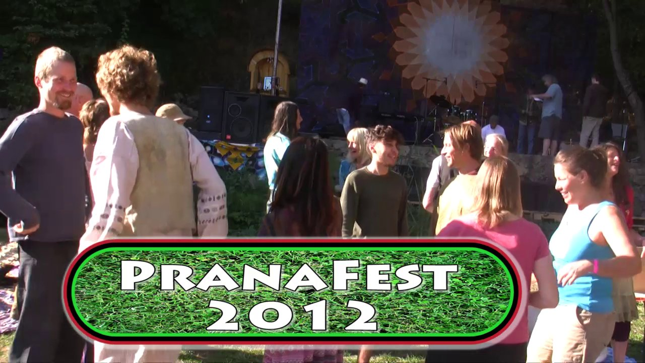"""Blissology"" At PranaFaest 2012 with Happy Oasis"