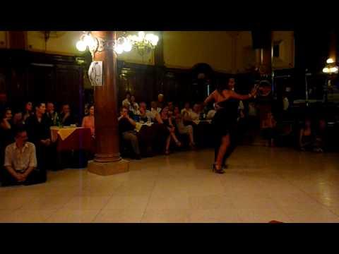 Sebastian Achaval y Roxana Suarez en Unitango