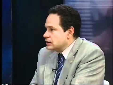 """Deputado Jair Bolsonaro defende agressão a """"Filho meio gay"""""""
