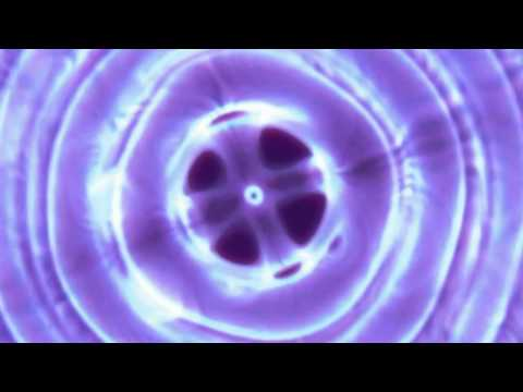 SINGING OM @ 432Hz with Cymatics