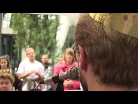 Love on Tour. 1/4 Gekrönte Häupter unterwegs fürs Grundeinkommen.