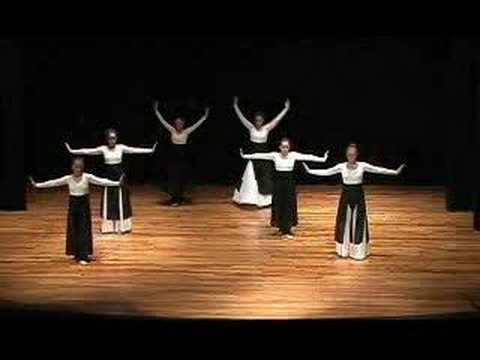 a powerful praise dance with a awesome ending