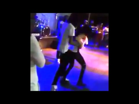 Alkaline Embarrassed  On Stage By Female Dancer Then Harass Her