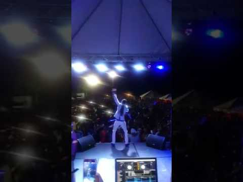 Jah Cure Proves he and Fanton Mojah are still friends on stage by singing Only Jah Love
