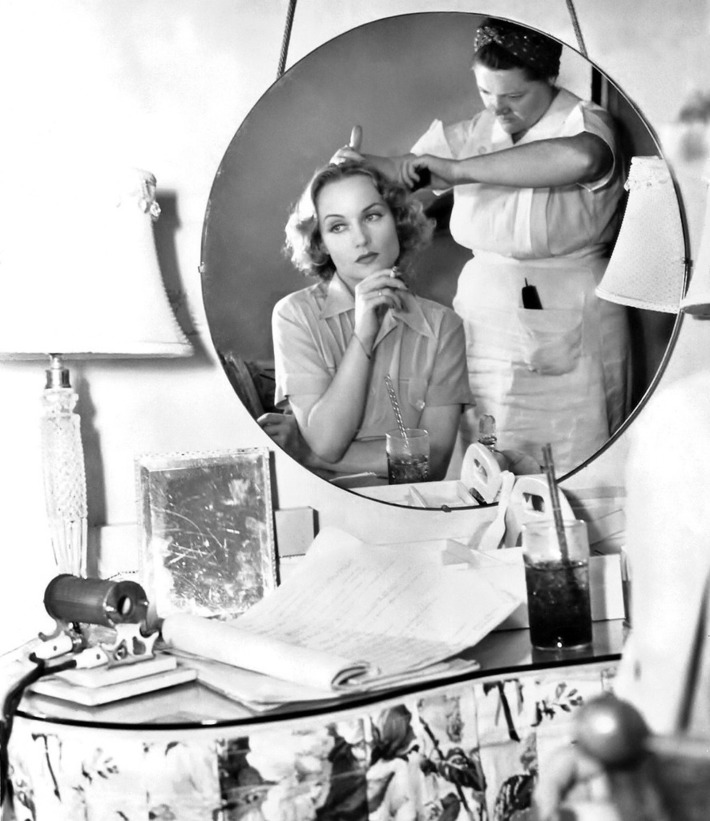 Carole Lombard in her dressing room - 1938