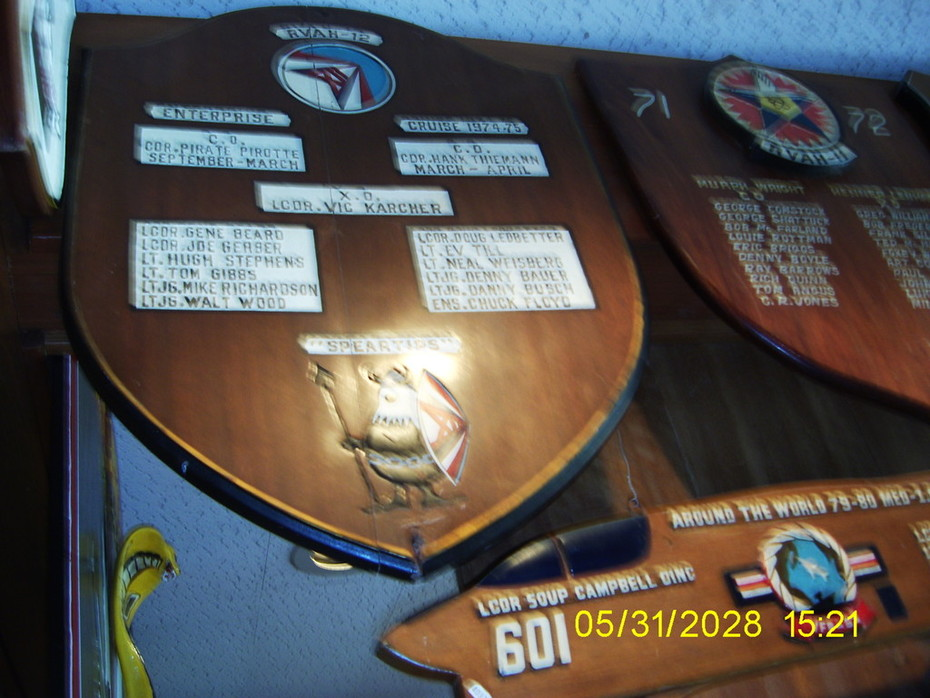 H-12 74-75 Cubi Pt O club plaque