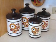Lincoln BeautyWare Metal Daisy Canister Set