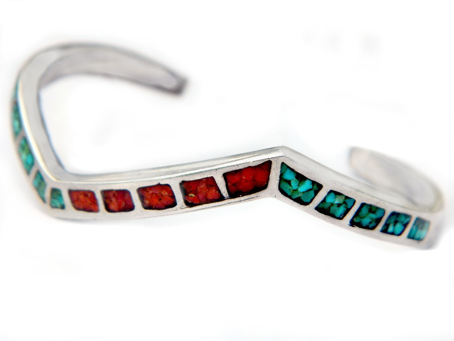 Old Pawn Navajo Chevron Sterling Silver Cuff Bracelet With Turquoise And Coral Chip Inlay