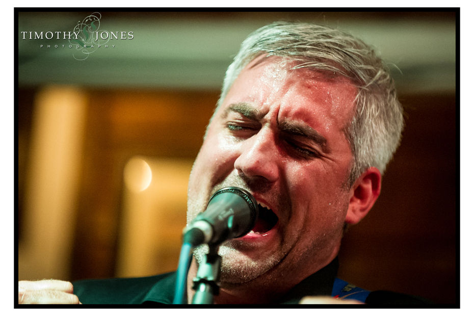 Taylor Hicks in performance at Florabama