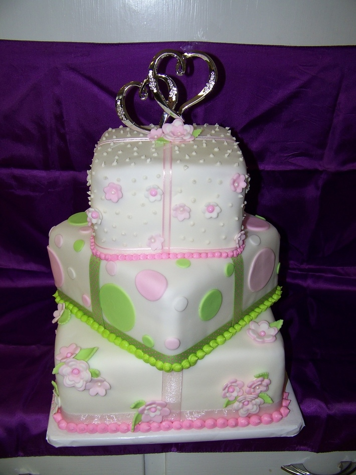 Pink/Green Wedding cake