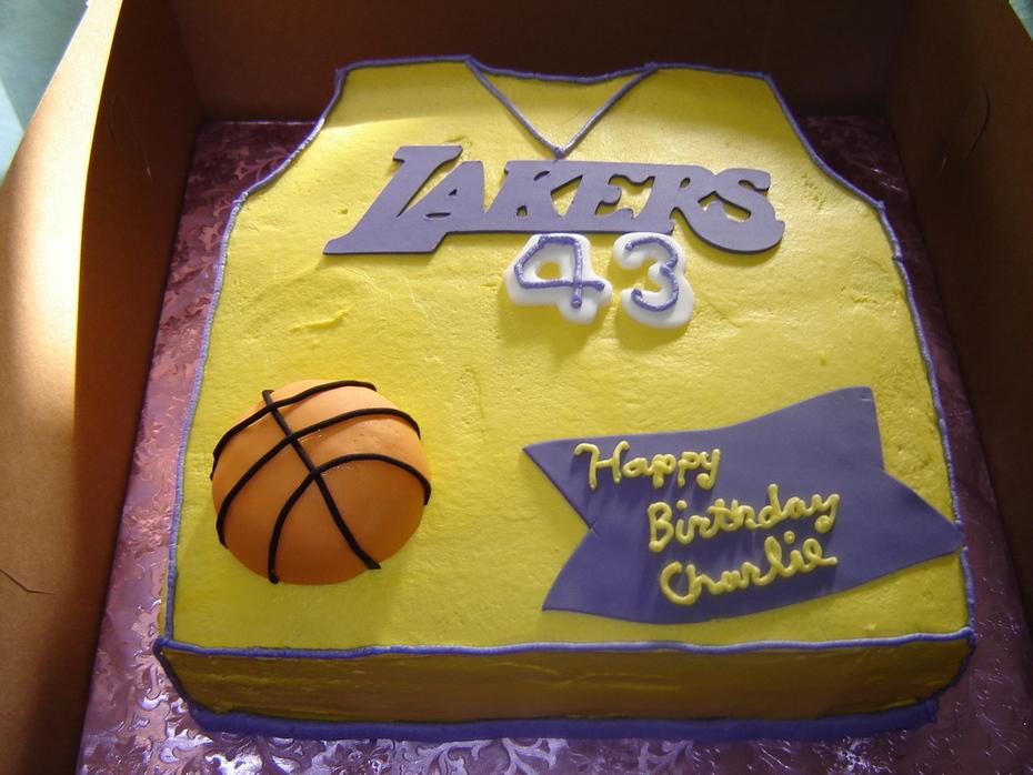 Laker's Fan Birthday Cake