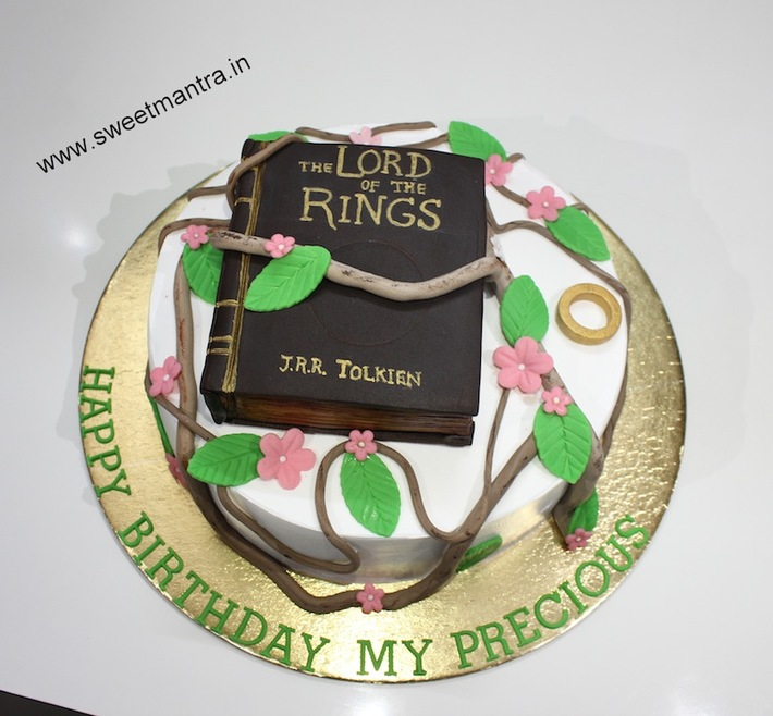Fabulous Lord Of The Rings Theme Customized Soy Cream Vegan 3D Birthday Birthday Cards Printable Giouspongecafe Filternl