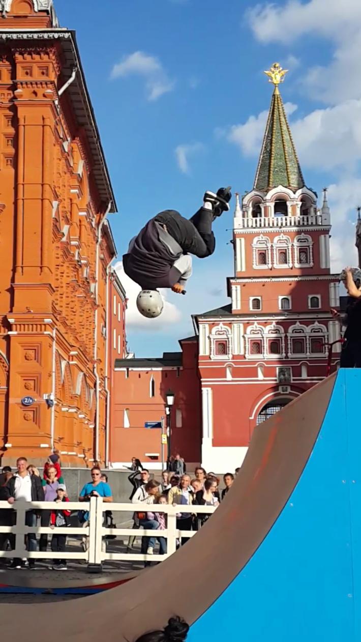 Сальто с самокатом на Красной площади. 27.05.2019.