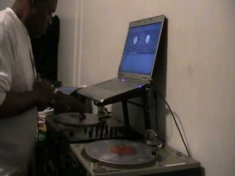 DJTHRODOWN ON  THE TURNTABLES