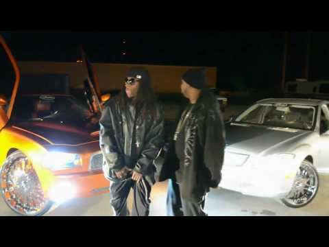 Str8 ThAnG {OFFICIAL VIDEO / World Premiere}