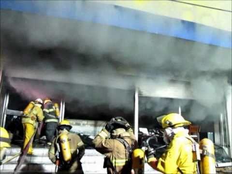 Incendio en tienda Coppel Hidalgo en Culiacán / Seis cajeras muertas / Mexico