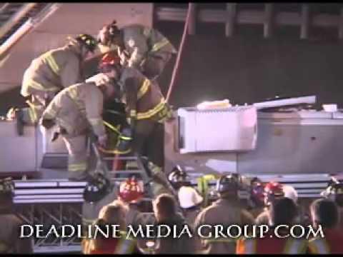 11 de Marzo de 2011 / Choque y Vuelco de Escalera del Departamento de Incendio de San antonio / Estados Unidos / Video Destacado de La Hermandad de Bomberos