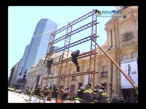 """Ejercicio """"La Pajarera"""" / Ejercicio realizado con Escalas por el Cuerpo de Bomberos de Santiago / Chile"""