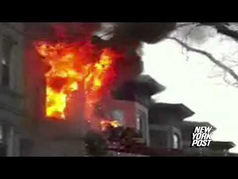 Flashover / 19 de Diciembre de 2011 / Bombero escapa ardiendo de Incendio /  Brooklyn - New York en Estados Unidos