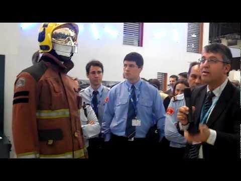 29.02.2012/ Los bomberos vestirán trajes con comunicación