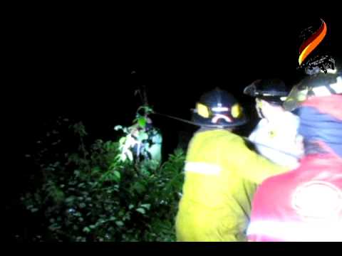 Bomberos Voluntarios rescatan a 4 personas de Río Guacalate / GUATEMALA