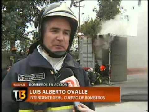 Cuerpo de Bomberos de Santiago demostró su preparación ante emergencias - Chile