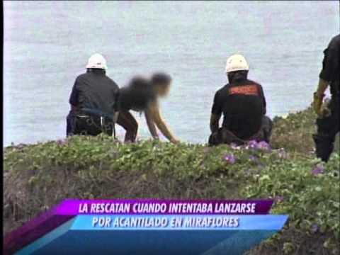 Rescate de suicida en acantilado de Miraflores / Perú