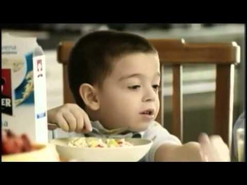 No quisieras ser abogado, como yo?. No, yo quiero ser bombero! - Comercial Quaker Chile 2013