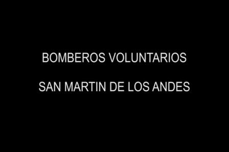 CÁMARA EN CASCO: INCENDIO VEHÍCULAR, BOMBEROS VOLUNTARIOS DE SAN MARTÍN DE LOS ANDES / NEUQUEN EN ARGENTINA / Vídeo Destacado de La Hermandad de Bomberos