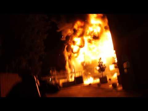 INCENDIO FABRICA CRAMER, BOMBEROS MAIPU - CHILE / Vídeo Destacado de La Hermandad de Bomberos