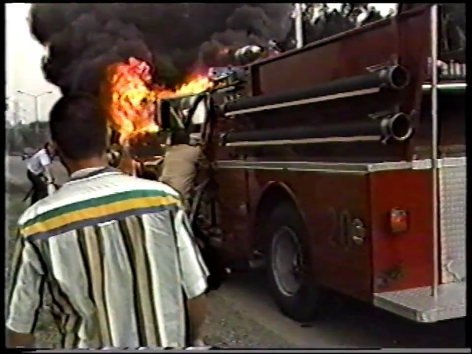 ACCIDENTE EN INCENDIO DE BUS, BOMBEROS DE MEDELLIN EN COLOMBIA / Vídeo Destacado de La Hermandad de Bomberos