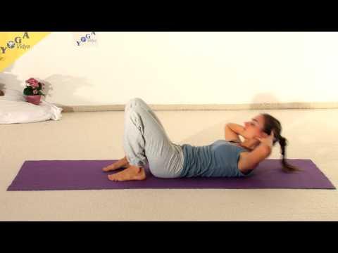 Yoga Video: Bauchmuskelübung mit Händen am Hinterkopf und waagerechten Beinen