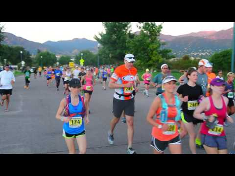 Early morning runners in the American Discovery Trail Marathon