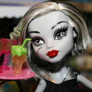 MonsterHighMommy