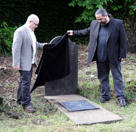 The unveiling of the Archer plaque 1 May 2010 / © Michael Pritchard