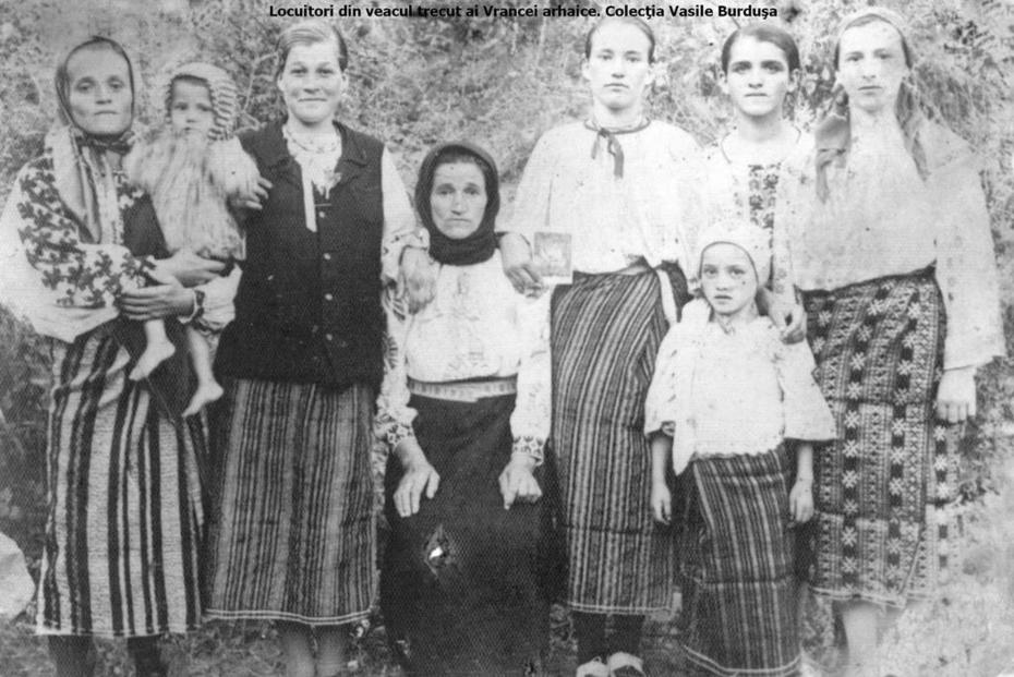 Locuitori din veacul trecut ai Vrancei arhaice. Colecţia Vasile Burduşa