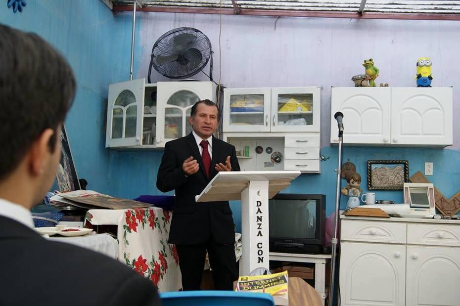 TALLER DE ORATORIA: ARQUEOLOGO ELIAS RODRIGUEZ VAZQUEZ EN LA TRIBUNA DE LA ELOCUENCIA