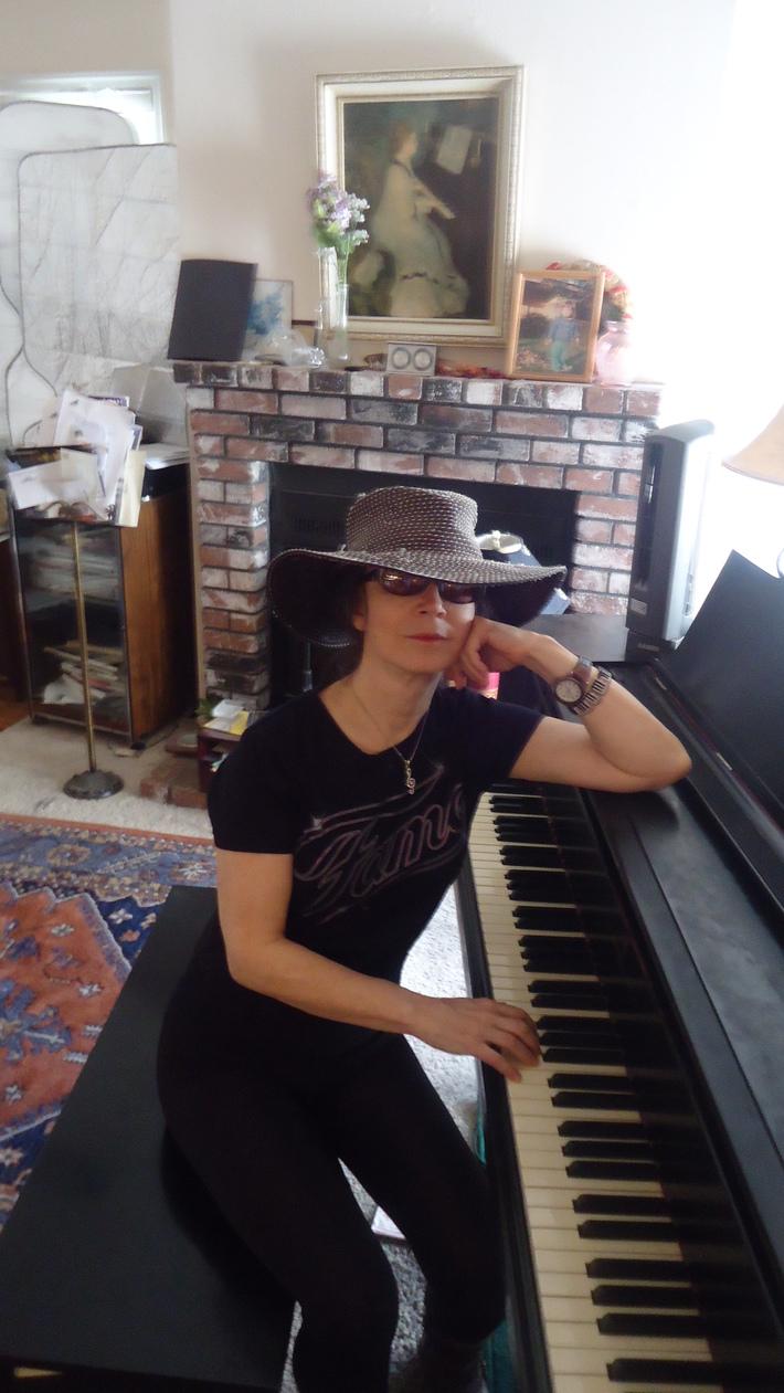 Shirley Kirsten at the piano