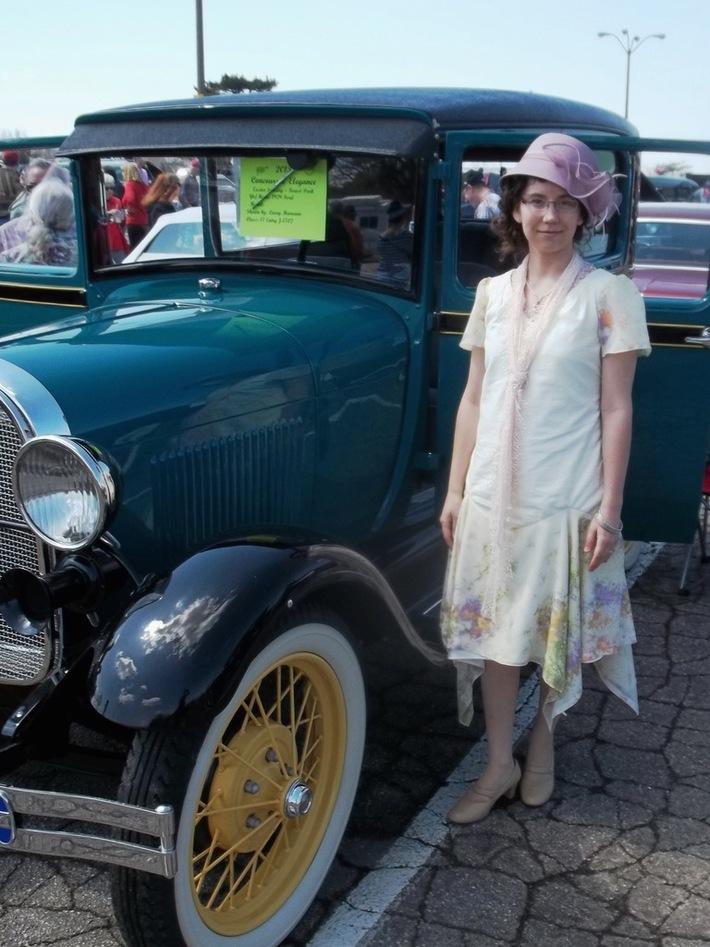 1929 Hankie-Hem Dress