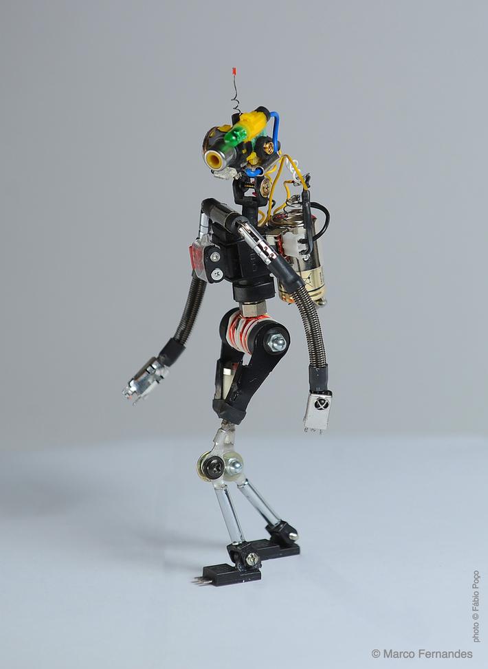 #R³bot five KECI