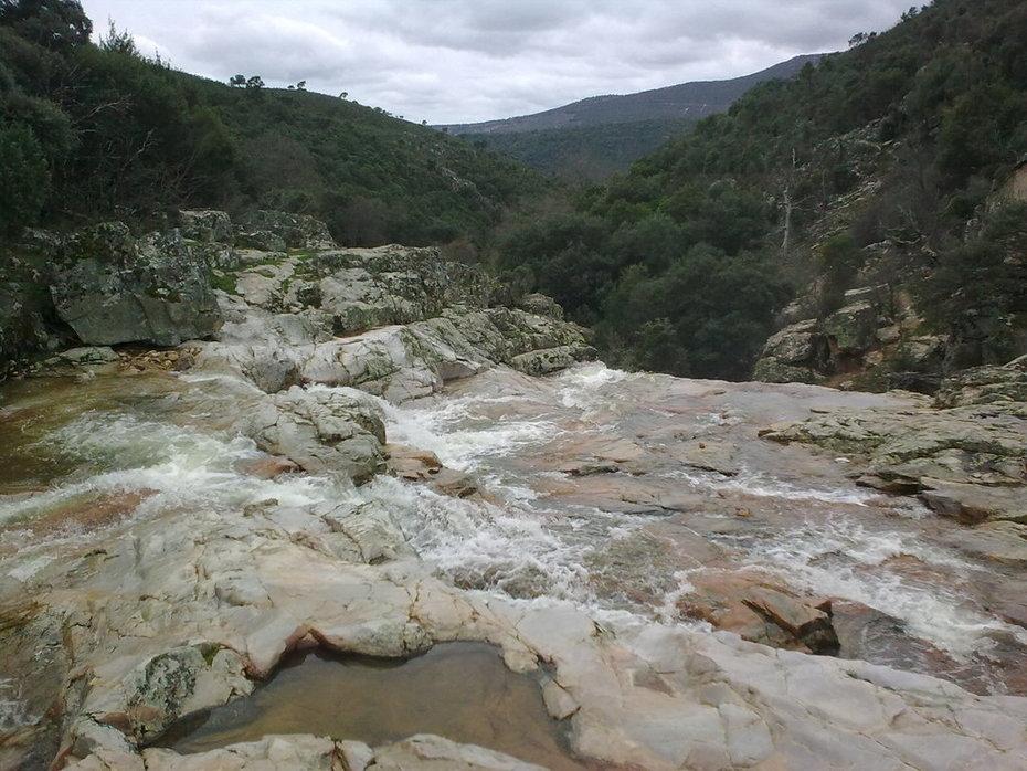 Parque Natural Valle de Alcudia y Sierra Madrona   Río Cereceda cascada