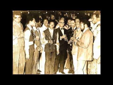 Silver Bells by The Trinidad Tripoli Steelband