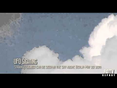 UFO FOOTAGE UFO Over Berlin May 22 2011