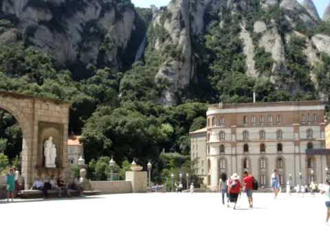 Campanas del Monasterio de Montserrat (cerca de Barcelona)